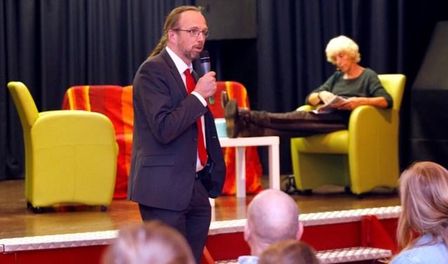 Wethouder Sven Lankreijer tijdens JIMtheater.