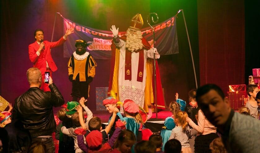 Het Grote Sinterklaasfeest in de Klaas Bouthal.