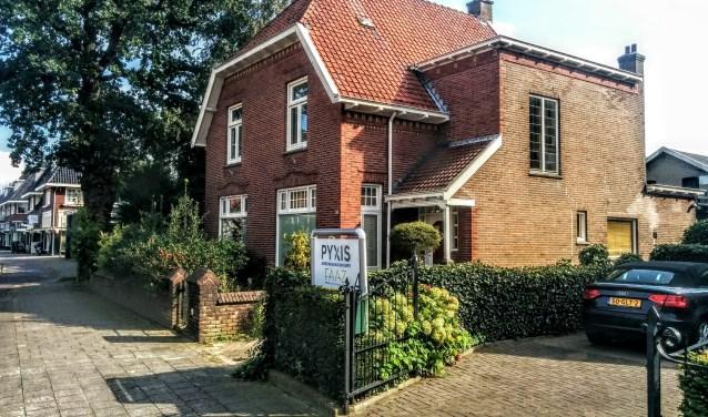 De ondertussen gesloopte villa aan de Huizerweg, waar nu gebouwd gaat worden.