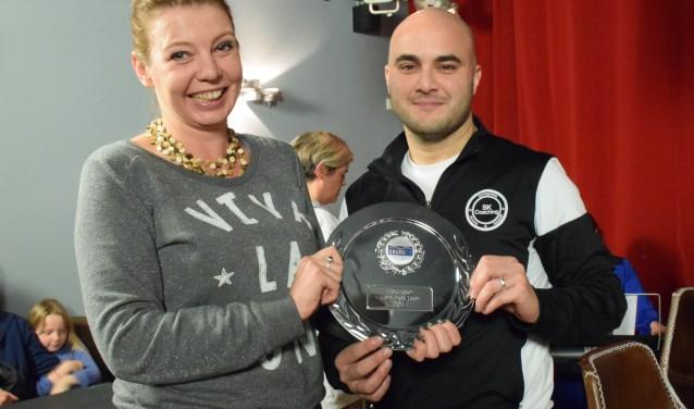 Sinan Kelebek (rechts) is IJburger van het Jaar 2018.