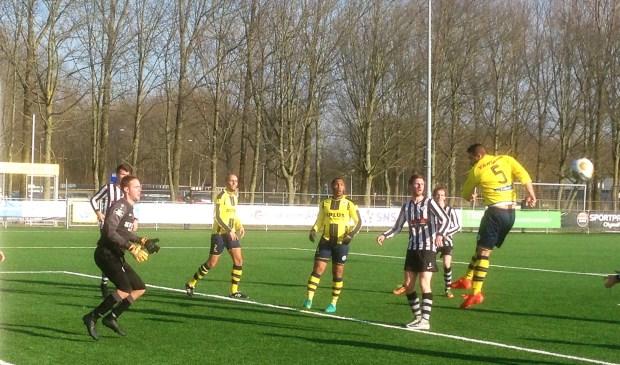 SV Laren'99 boekte een riante overwinning op AS'80 uit Almere: 0-13.
