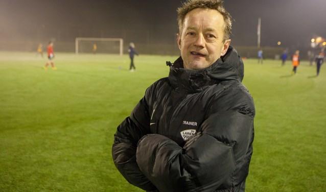 Fred Roest, nu nog hoofdtrainer bij SV Laren'99, maakt na dit seizoen de overstap naar OSM'75.