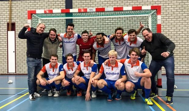 Zaalhockeyers MHCW kampioen