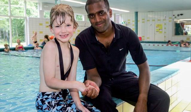 Shiva de Winter geeft al jarenlang zwemles in verschillende zwembaden.