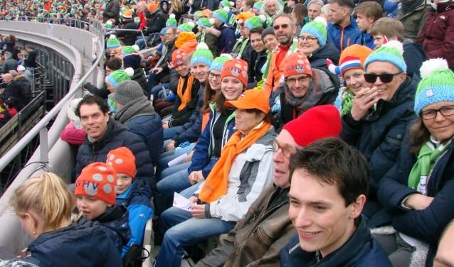 De stemming zat er goed in bij de GHV-ers in het Olympisch Stadion.