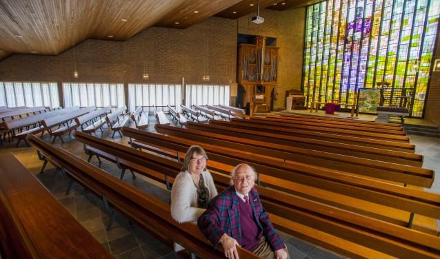 Dominee Geertje de Vries en Hans Noordanus vertellen over het 50-jarig bestaan van de Goede Herderkerk.