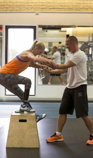 Trainer Guido Bonsen & atlete Fleur Jong op trainingsstage in Stellenbosch, Zuid Afrika
