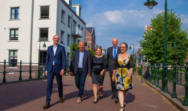Geert-Jan Hendriks, Jan Franx, Marieke Munneke Smeets, Alexander Luijten en Barbara Boudewijnse moeten het gaan waarmaken.