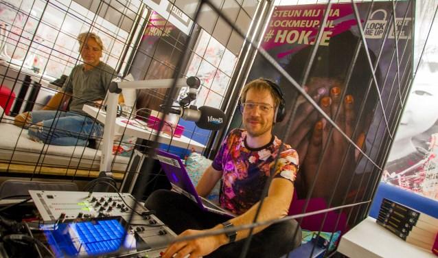 Giel Beelen tijdens zijn radioshow bij CHA!