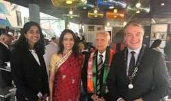 Wahida Amier, Sharda Nandram, Bechoepersad Nandram en Erik Boog.