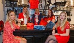 De medewerkers van Freewear in de in de winkel aan de Havenstraat.