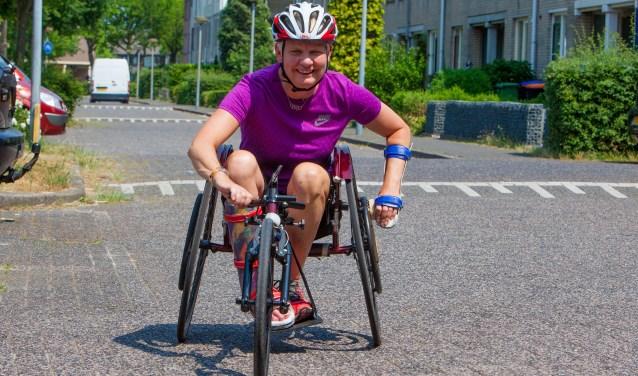 De Huizer atlete Djoke van Marum doet ook mee. Ze is deelnemer aan de 1/8 triatlon.