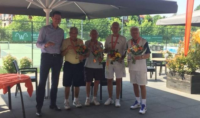 V.l.n.r.: voorzitter Maarten Hermans, Maurits Wetters, Jan Hagen, Piet Schapendonk en Ton Bourgonje.