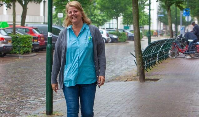 Wijkverpleegkundige Ineke Jansen heeft ook een signalerende functie.