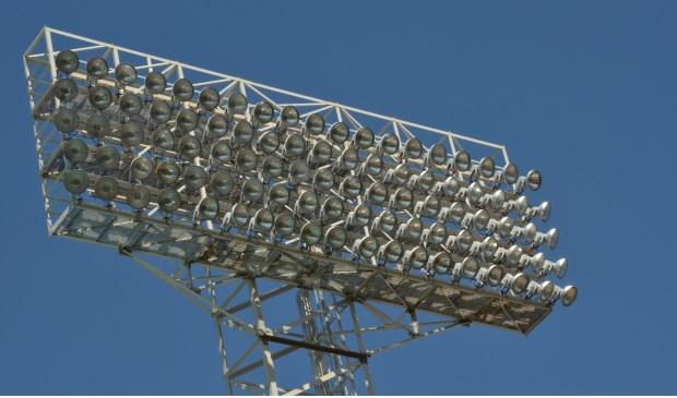 Onder andere het vervangen van verlichting voor led kan energie besparen.