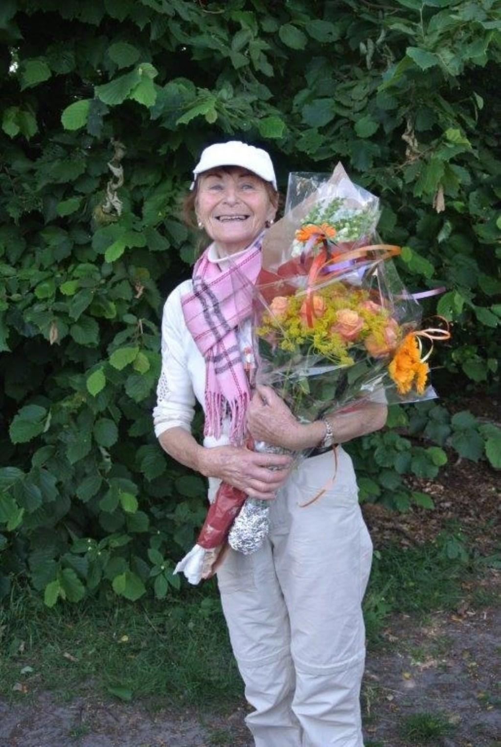 Annie Voulon-Calis, recordhouder in Laren met 1.600 wandelkilometers in tien jaar. Foto: Dieuwertje Bais © Enter Media