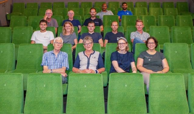 Personeel en vrijwilligers zijn de afgelopen week druk bezig geweest in Filmtheater Hilversum zoals de vervanging van alle stoelen.