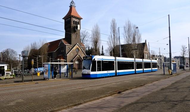 Lijn 9 bij de halte bij de Schoolstraat. Foto: Trudy Kroese © Enter Media