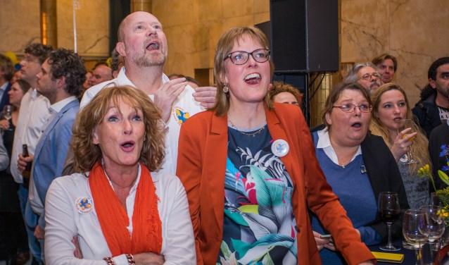 Marjon Heijnen (links) tijdens de verkiezingsavond in maart.