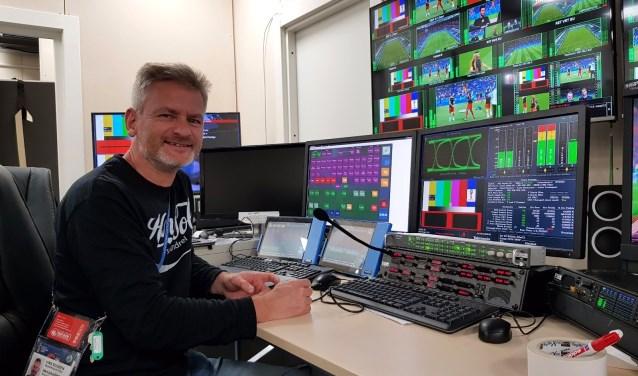 Ewald van Vlijmen in het tijdelijke International Broadcast Center in Moskou.