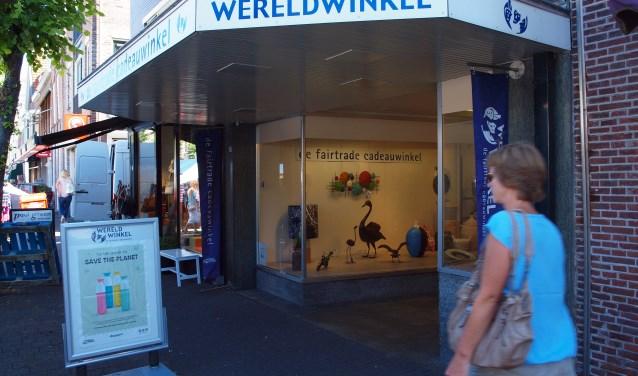 De winkel aan de Nieuwstraat levert wel een hoge omzet, maar zit op een dure locatie.
