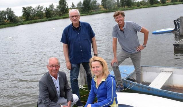 Paul Paulusma, Philip Monas, Fenna Swart en Frans van Vliet (vlnr) werken goed samen in de Gebiedscommissie.
