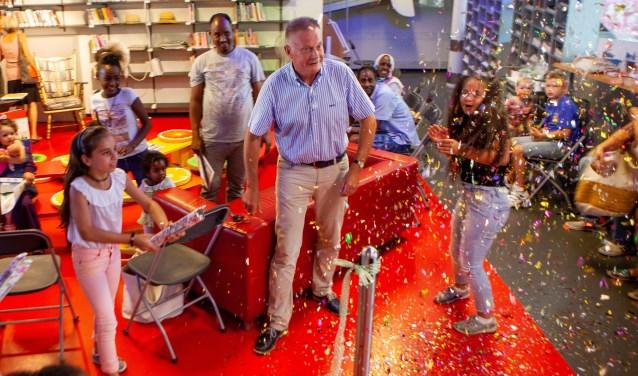 De feestelijke opening met de burgemeester.