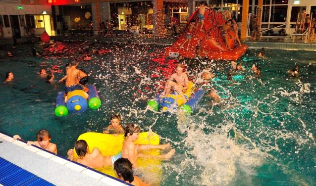 Zwembad Breidt Aanbod Activiteiten Uit Diemernieuws