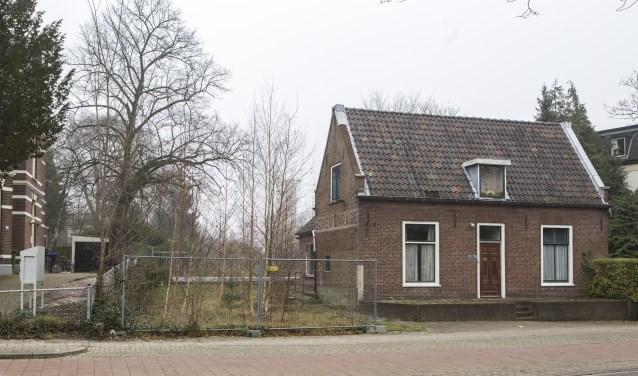 Op het terrein van de 's-Gravelandseweg 70-72 richting Hoge Naarderweg komen 14 woningen te staan.