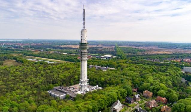 De 196 meter hoge zendmast van Hilversum verdient de monumentenstatus, aldus de PvdA.