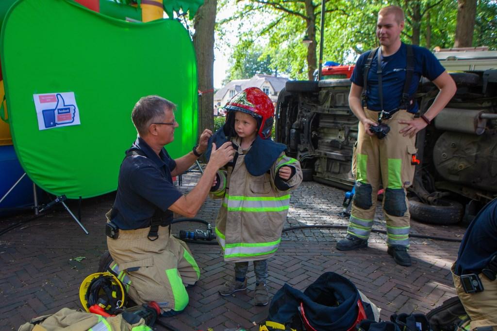 De brandweer was ook van de partij. Foto: Bob Awick © Enter Media