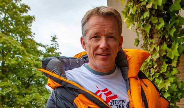 Wilco Dekker beklimt de hoogste berg ter wereld voor Artsen zonder Grenzen.