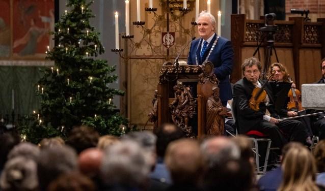 In zijn nieuwjaarstoespraak roept burgemeester Broertjes op 'om het eerlijke gesprek te voeren op basis van feiten'.