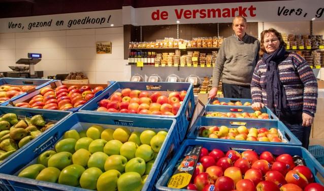 Fred Dalhuisen en zijn vrouw runnen de nieuwe groentenzaak in De Oostermeent.