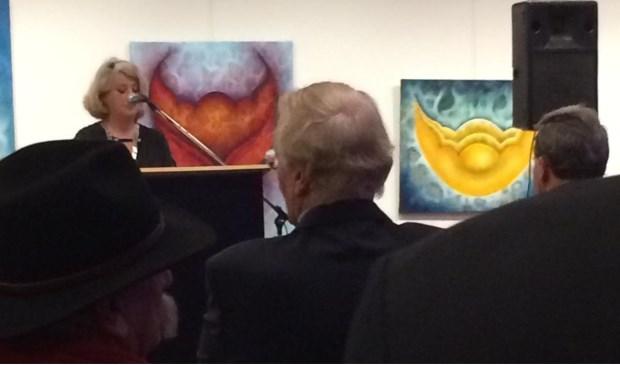 De burgemeester tijdens haar toespraak.