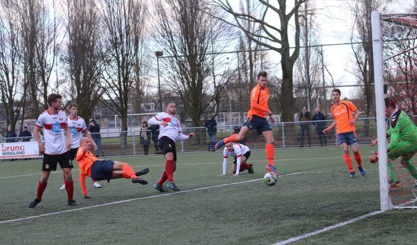 Hoogland was met 1-0 te sterk.