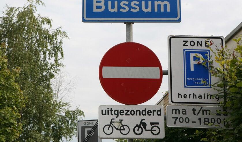 Overbodige verkeersborden gezien? Meld het de gemeente.