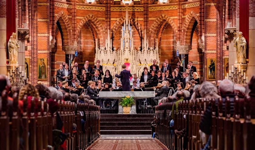 Uitvoering van het Bachkoor in de Sint Vituskerk van vorig jaar.