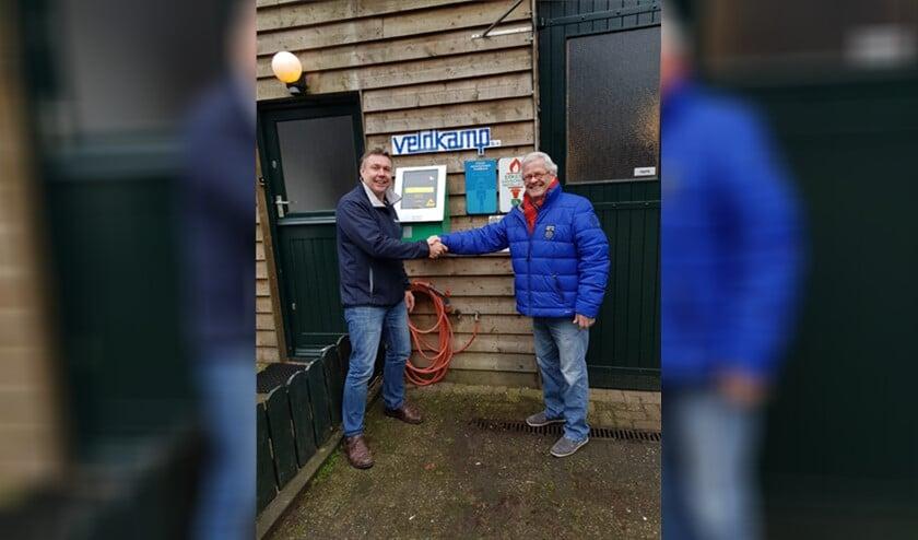 Bob Veldkamp (l) en Eric Geelhuysen, voorzitter BPV BELangrijk.