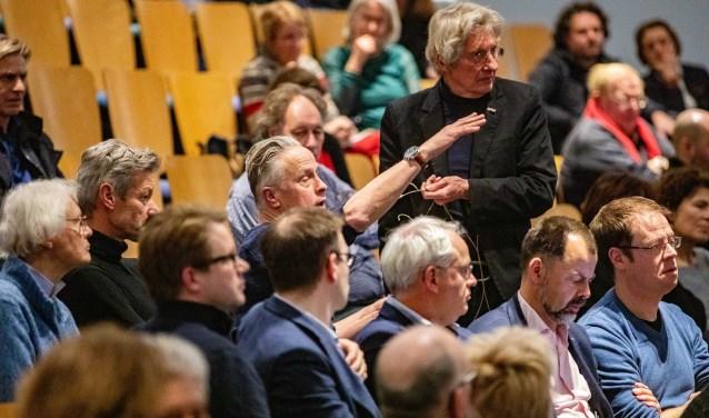 Naast de tweejaarlijkse architectuurprijs verzorgt de stichting ook discussiebijeenkomsten, zoals in februari over de plannen voor het stationsgebied.