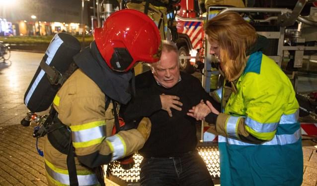 Burgemeester Sicko Heldoorn speelde bij de oefening een slachtoffer.