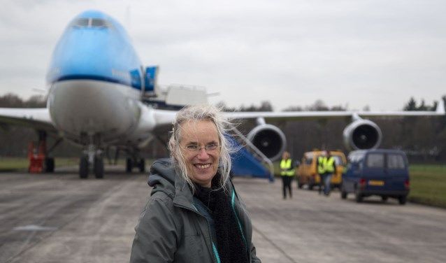Lieneke Koornstra bij de aankomst van de eerste 747 bij het Nederlandse ontmantelingsbedrijf AELS. Foto: Arnoud.Raeven.nl