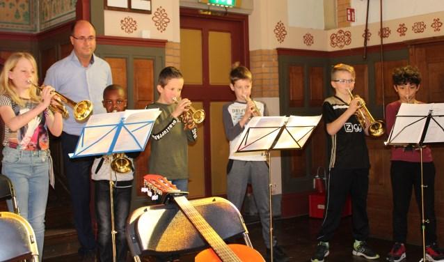 Het 'Fantastich Muziekproject' in de Van Houtenkerk.