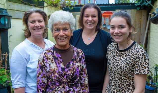 Van links naar rechts: Nita, Tiny, Lindsay en Danielle.