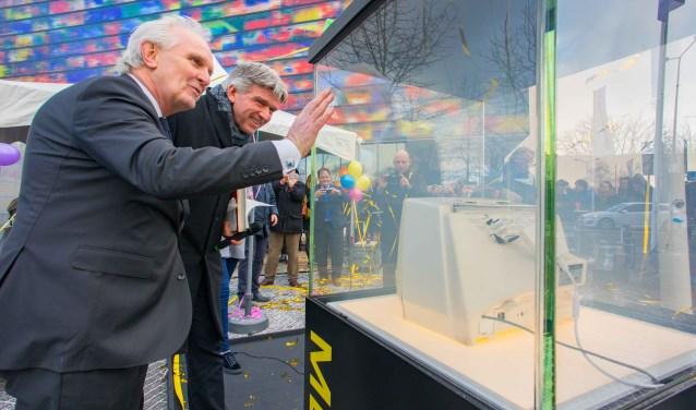 Burgemeester Pieter Broertjes en wethouder Wimar Jaeger bij de opening van de Media Mile.