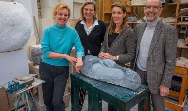 V.l.n.r.: Caroline, Cecile, Monique IJsselstijn (pr) en Gerard.