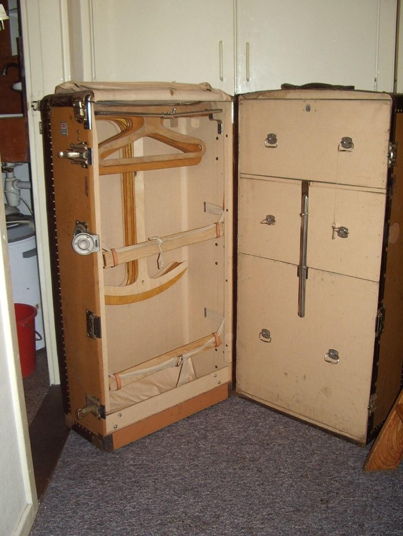 De lege koffer van de familie Leyser, zoals Ruud Hehenkamp hem aantrof. Foto: Ruud Hehenkamp © Enter Media