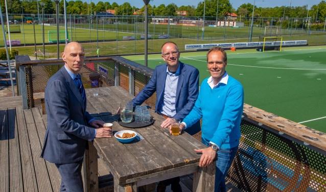 De veldwissel is een herenakkoord tussen de gemeente, NVC en HC Naarden.