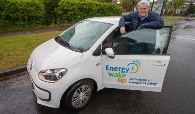 Toon de Mol van Otterloo met zijn Energy Wake Up-auto.