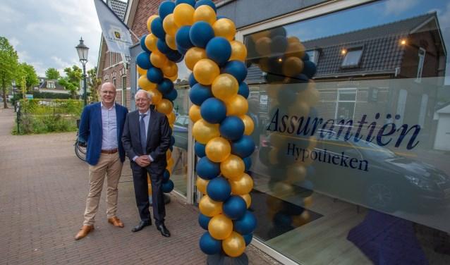 Isaäc Hage en Cees Van der Roest voor het nieuwe kantoor.